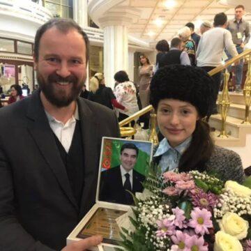 """R.A.A.A.M.i delegatsioon külastas Türkmenistani teatrifestivali """"Õnneajastu"""""""